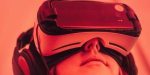 Retail virtual reality glasses